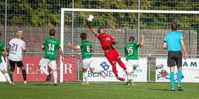 Bei den Heimspielen des SC Brühl hat im Moment vor allem der Goalie zu tun. Hier Daniel Lopar im Spiel gegen Stade Nyonnais, das vor zwei Wochen 2:5 endete.