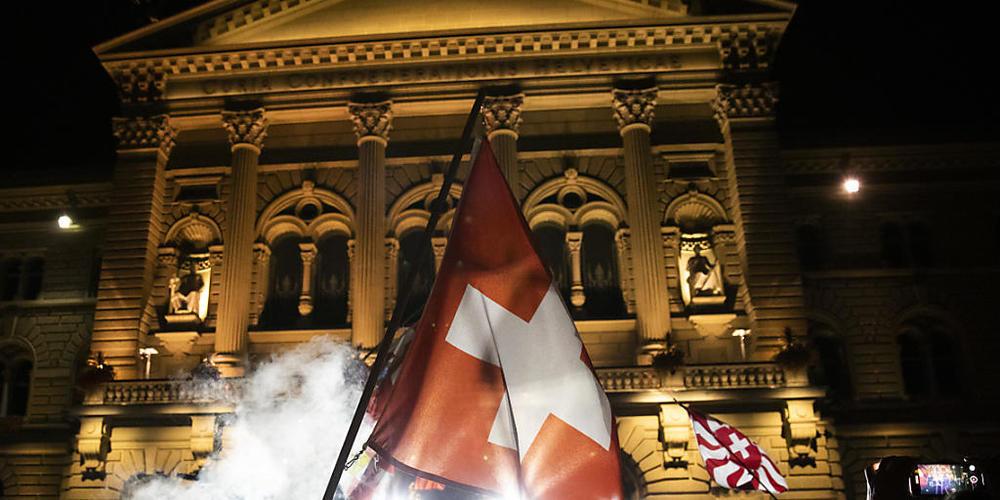 Randale vor dem Bundeshaus wie am 16. September will die Stadt Bern keine mehr. (Archivbild)