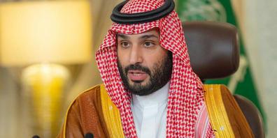 Mohammed bin Salman al-Saud, Kronprinz von Saudi-Arabien, eröffnet das Saudi Green Initiative Forum. Der weltweit führende Ölexporteur Saudi-Arabien will bis zum Jahr 2060 klimaneutral werden. Das kündigte bin Salman am Samstag an. Foto: -/SPA/dpa...