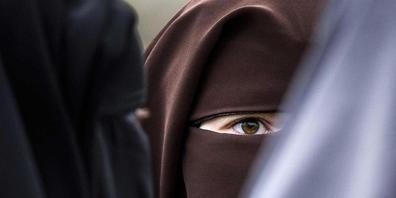 Der Bundesrat schlägt vor, das Burkaverbot mit einem Artikel im Strafgesetzbuch zu verankern.