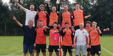 Das jubelnde Cup-Sieger-Team vom FB Widnau