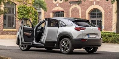 Eines der neuen rein elektrischen Fahrzeuge: der Mazda MX-30
