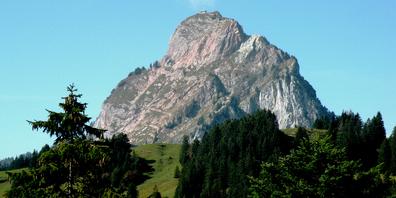 Die Rega konnte den verunfallten Berggänger nur noch tot bergen.