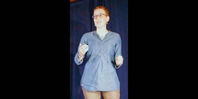 Stephanie Schachtner ist eine Erzählerin aus Schaffhausen, Familiencoach und Vorstandsmitglied der Schweizer Märchengesellschaft (SMG).