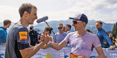 Tagessieger Michael Steiner (rechts im Bild) gewinnt den Bergsprint in  47 Minuten und 45 Sekunden. Links von ihm Martin Lustenberger, mit 2:21 Minuten Rückstand auf Steiner, Zweitplatzierter des Bergsprints.