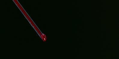 Der Kern der kilometerlangen Glasfaser besteht durchgängig aus Glycerin