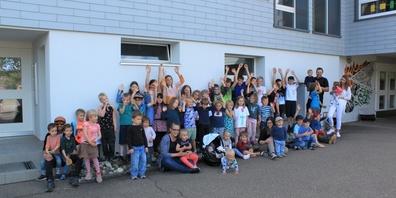 Schüler*innen sollen in bestehende Klassen in Kirchberg integriert werden.