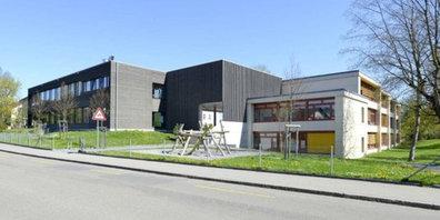 Die Schulanlage Robenhausen in Wetzikon braucht ab 2023 Platz für mindestens 12 Primarschulklassen.