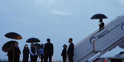 Antony Blinken, Außenminister der USA, kommt für ein Treffen mit seinen diplomatischen Amtskollegen am Flughafen von Neu Delhi an. Foto: Jonathan Ernst/Pool Reuters/AP/dpa