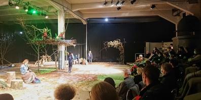 """Das momoll Jugendtheater Wil regte die Teilnehmenden mit  """"Schlummerland"""" zum Nachdenken an."""