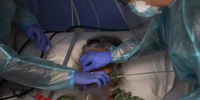 An Covid-19 sind in den USA mittlerweile mehr Menschen gestorben als an der Spanischen Grippe. (Archivbild)