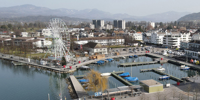 Teile der Hafenanlage Lachen – im Bereich des «Schandsteins» bis zum Strandbad Seefeld werden Sanierungsarbeiten umgesetzt.