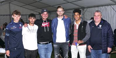 Traditionell werden an der JHV die neuen Spieler des Fanionteams vorgestellt. v.l. Noe Rieser, Pascal Koller, Joshua Weder, Ilija Kovacic, Kevin Egbon, Markus Hutter