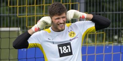 Torhüter Gregor Kobel ist nach guten Jahren in Augsburg und Stuttgart bei Borussia Dortmund in einer neuen Welt gelandet