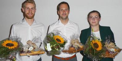 Albina Zuta, Urs Kälin und Daniel Peterhans (v.r.) von der ABB Technikerschule stellten das Projekt  des Wärmeverbunds II vor.