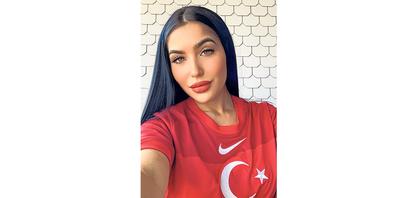 Sibel Subasi liebt ihr Heimatland Türkei und wünscht ihm am Sonntag für das Spiel gegen die Schweiz den Sieg.