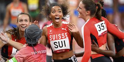 Riesig die Freude der Schweizer 4x400-m-Staffel: Lea Sprunger, Silke Lemmens, Rachel Pellaud und Yasmin Giger pulverisieren den Schweizer Rekord