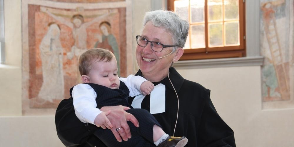 Pfarrerin Brigitta Schmidt nimmt nach sieben Jahren als Pfarrerin in Ganterschwil Abschied.