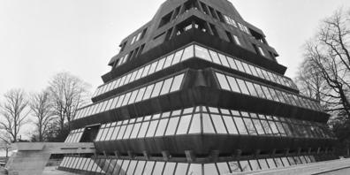 """Die """"Pyramide am See"""" wird unter Schutz gestellt. Zum Zeitpunkt dieser Aufnahme aus dem Jahr 1970 hiess das Gebäude noch """"Ferro-Haus""""."""