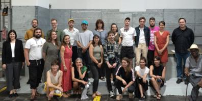 Regierungsrätin und Kulturministerin Laura Bucher (ganz links) mit St.Galler Kunstschaffenden aus verschiedenen Sparten