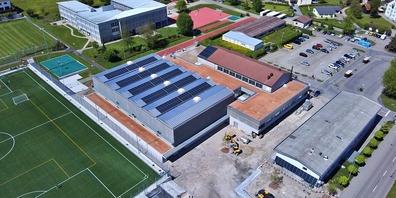 Schon bald soll der Bau der Sportanlagen in Eschenbach abgeschlossen sein (Bild aufgenommen am 14. Mai 2021).