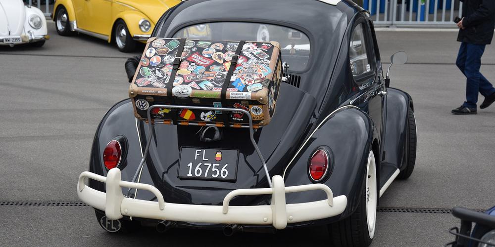 Praktisch und vor allem stylish, so ein Alle-Welt-Koffer auf dem Rücken dieses Käfers aus Liechtenstein.