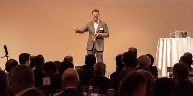 Carsten Koerl war 2019 Keynote-Speaker am 1. LEADER Digital Award
