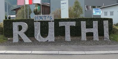 Rüthi hat sich sehr verändert, was anhand von Bildern von der Primarschule Rüthi demonstiert wird