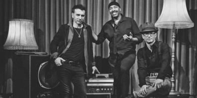 Blitzstart durch «Stompin' Howie and the Voodoo Train» mit ihrem treibendem Neo-Soul-, Blues- und Funksound.