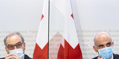 Bundespräsident Guy Parmelin (l.) und Gesundheitsminister Alain Berset warnen vor einem Nein zum Covid-19-Gesetz.