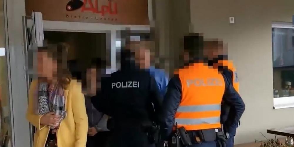 Am Samstag wurde im «Älpli» Gommiswald trotz Polizeieinsatz gefeiert. Die Veranstalter bleiben hart.