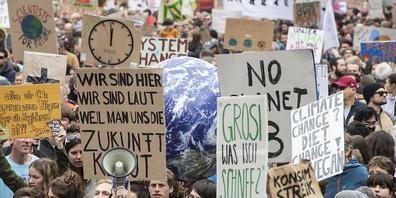 Im Kanton Zürich sollen bald auch 16-Jährige abstimmen und wählen können. Im Bild eine Klima-Demo in Zürich. (Archivbild)