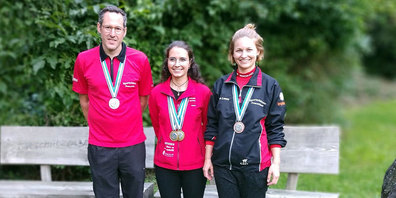 Holten die Medaillen im drei Stellungswettkampf bei der Elite. (von links) Lars Färber, Annina Tomaschett und Anna Laura Klucker.