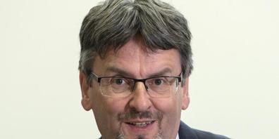 Peter Füglistaler, Direktor des Bundesamt für Verkehr, spricht sich für eine Stärkung des Binnengüterverkehrs in der Schweiz aus. (Archivbild)