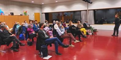 Neben der Parolenfassung diskutierten die Parteimitglieder auch über die Haltung der Kantonsratsfraktion in der Spitaldebatte.