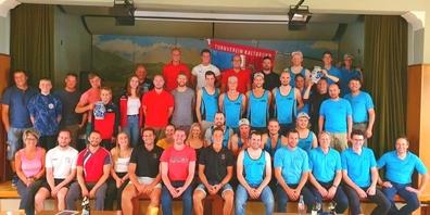 Das Gruppenfoto mit den teilnehmenden Mitgliedern des STV Benken und des STV Kaltbrunn.