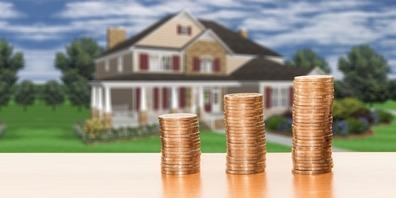 In den vergangenen vier Quartalen verteuerten sich die Preise der Einfamilienhäuser im Linthgebiet um 3.4 % (Symbolbild).