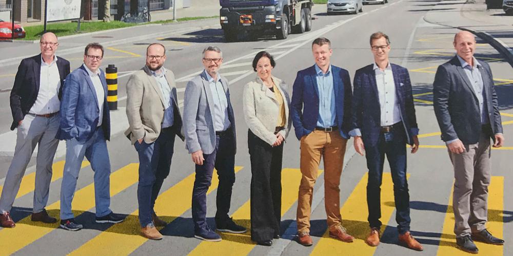 So warb der komplette Stadtrat auf der Titelseite des eigenen «Stadtjournals» auf der St.Gallerstrasse für die «Lebensader» im September 2019.»