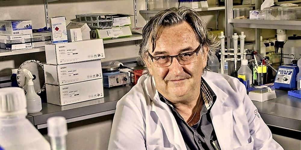 Immunologie-Professor Beda Stadler: «In Europa ist ein neuer Stamm Coronaviren unterwegs, der dafür sorgt, dass die Fallzahlen zwar ansteigen, die Leute aber kaum krank werden. Deswegen sind die Spitalbetten leer.»