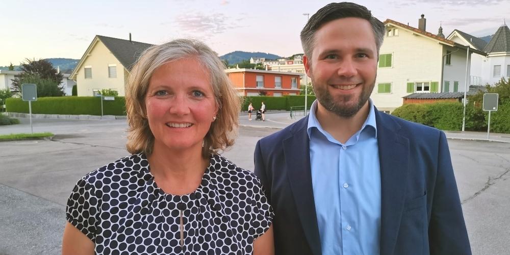 Einstimmig nominiert: Heidi Romer (bisher, l.) als Gemeindepräsidentin und Sandro Morelli (neu) als Mitglied der GPK.