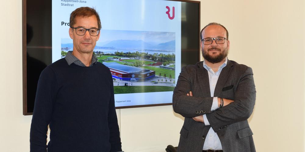 Bauchef Thomas Furrer (links) und Stadtpräsident Martin Stöckling an der Medienkonferenz, wo sie Werbung für die «Lebensader» machten.