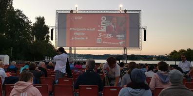 Das Kino am See Pfäffikon ist eine Veranstaltung der Dorfgemeinschaft Pfäffikon.