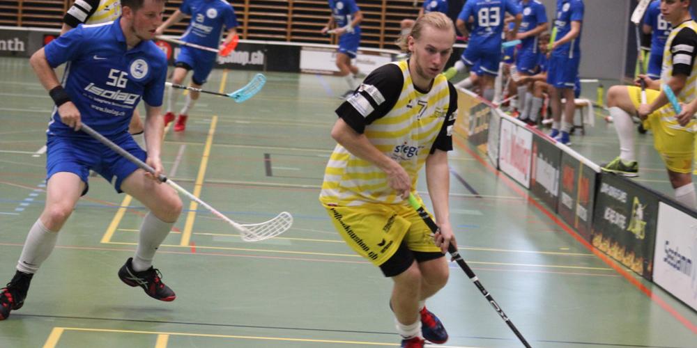 Auch in dieser Saison regelmässig Torschütze bei den Flames: Henry Mattsson (gelbes Trikot).