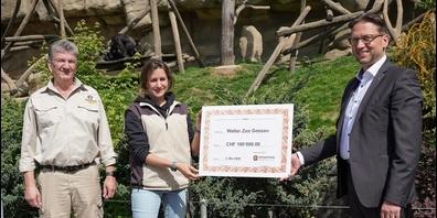 Von links: Ernst Federer, CEO Walter Zoo AG, Karin Federer, Zoodirektorin, und Aurelio Zaccari, Präsident Gönnerverein Walter Zoo.