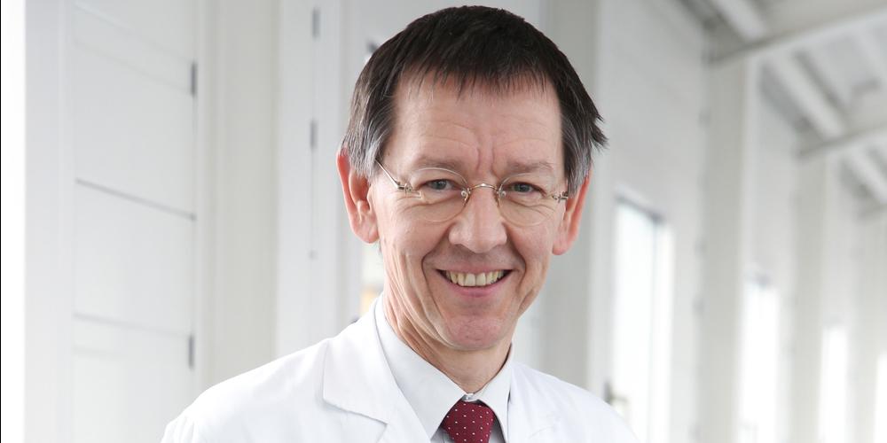 Dr. Thomas Bregenzer, Infektiologe am Spital Lachen, über das Coronavirus: «Die Tatsache, dass es Länder in Europa gibt, deren Gesundheitswesen komplett überlastet war, zeigt, dass diese epidemische Welle eine ganz andere ist als die gewöhnliche Grippewelle.»