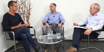 Herausforderer Christian Leutenegger (Mitte) macht Bauchef Thomas Furrer (links) den Bauchef-Posten von Rapperswil-Jona streitig.