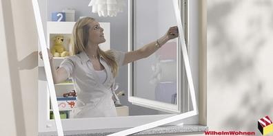 Dank des Schutzsystems im Kinderzimmer-Fenster bleiben lästige Insekten draussen.