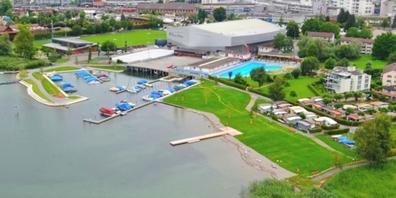Luftbild der Hafenanlage und Liegewiese am Lido.
