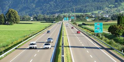 Die Autobahn A53, die durchs Linthgebiet führt, heisst seit Anfang Jahr A15.