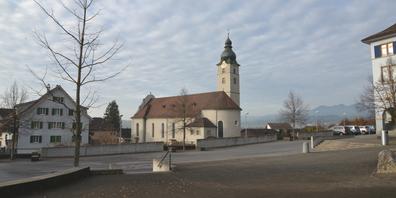 Zu den markantesten Bauwerken Benkens zählt die Kirche der Pfarrei Peter und Paul.